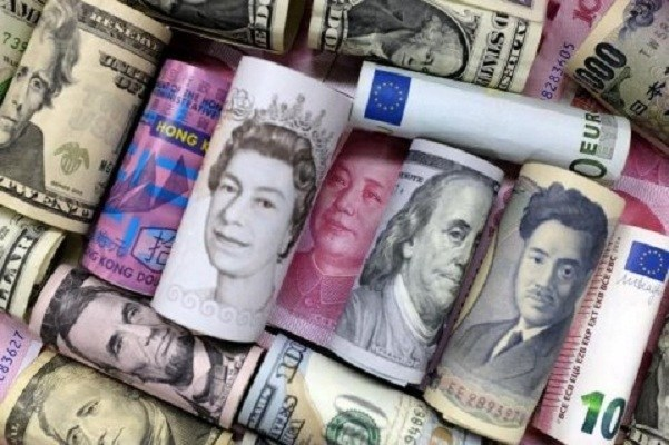 euro-hong-kong-dollar-us-dollar-japanese-yen-pound-and-chinese-100-yuan-banknotes-are-seen-in-this-picture-illustration-in-beijing-china-january-21-2016-reutersjason-lee