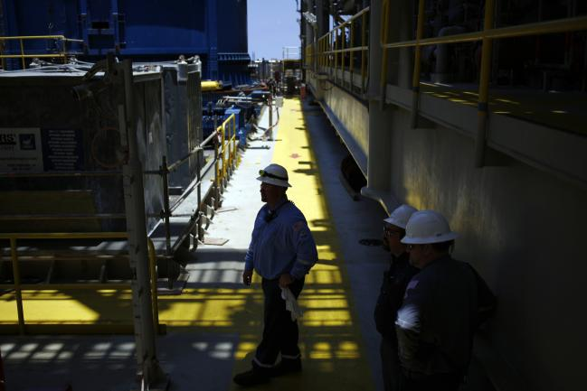 dầu thô và người nhập cư mexico